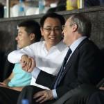 El promotor inmobiliario Xu Jiayin visita el palco del Santiago Bernabéu