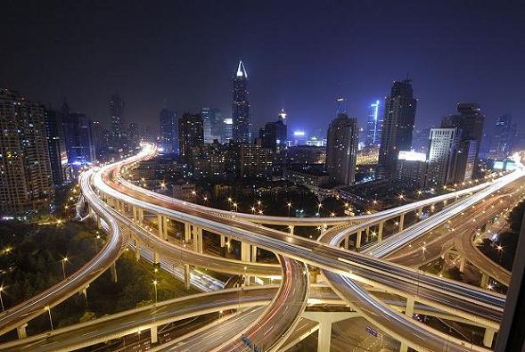 """Nudo de autopistas, """"pilar de los nueve dragones"""", Shanghái"""