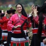 Las mujeres de esta tribu china solo se cortan el pelo una vez en su vida